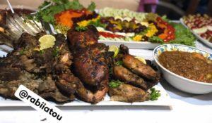« Méchoui » d'agneau et poulet grillé.